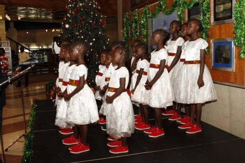 HILTON CHRISTMAS TREE LIGHTING (2)